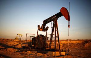 Нефть Brent упала в цене ниже 77 долларов за баррель