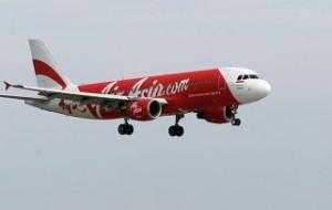 Минтранс Индонезии проверяет сведения о том, что самолет Air Asia сел