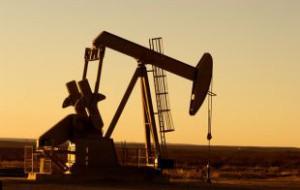 Мировые цены на нефть снизились на фоне укрепления доллара