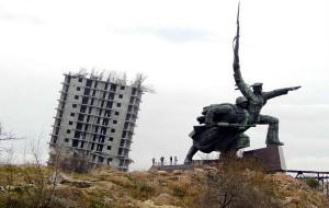 Севастопольскую «Пизанскую башню» удалось снести с третьей попытки
