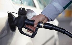 Белоруссия отказывается поставлять льготный бензин в РФ из-за убытков