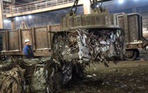 Медведев продлил программу утилизации автомобилей на 2015 год