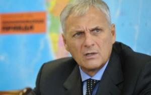 СКР подозревает сахалинского губернатора в получении взятки