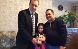 Челябинской девочке подарили щенка хаски от имени Путина