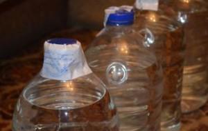 В России хотят ограничить со следующего года продажу алкоголя в пластике