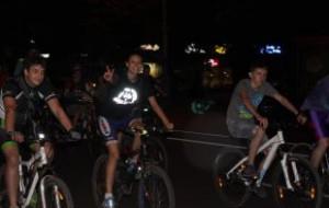 Более 10 тыс человек примут участие в первом ночном велопараде в Москве