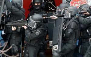 Спецназ освободил 18 заложников, захваченных в парижском магазине