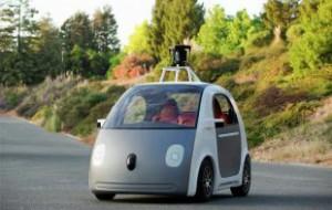 Самоуправляемая машина Google впервые попала в ДТП с пострадавшими