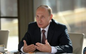 В Кремле опровергли данные о поездке Путина в Париж