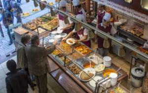 Российские туристы попались на кражах в турецком магазине