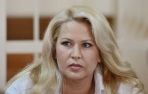 Суд снял арест с картин Евгении Васильевой