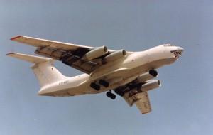Самолет Ил-76 готовится к аварийной посадке в Ульяновске