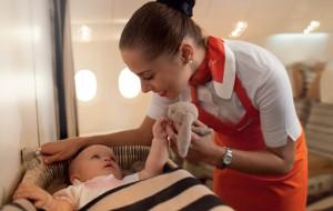Как вести себя в самолёте с маленьким ребёнком – пять советов