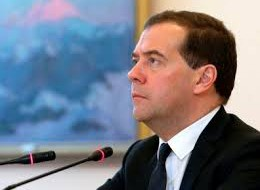 Медведев назвал продуктовое эмбарго полезным