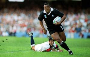 Скончался известный новозеландский регбист Джона Лому