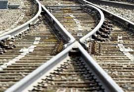 В Подмосковье пассажирский поезд насмерть сбил беременную женщину
