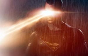 «Бэтмен против Супермена» установил антирекорд в прокате