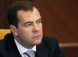 В Кремле не стали комментировать решение Медведева по индексации пенсий