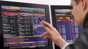 В четверг российский рынок акций открылся снижением