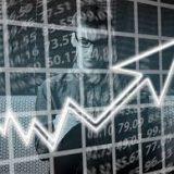 Снижением индексов открылся рынок акций РФ в пятницу
