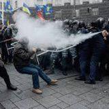 Греческая полиция применила газ против протестующих в Афинах пенсионеров