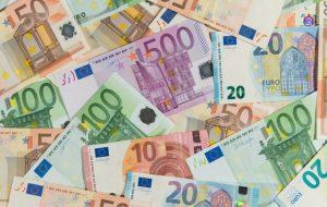Дворник в Брюсселе выиграл в лотерею 168 млн евро и не вышел на работу