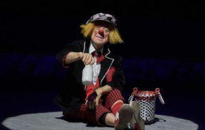Попов хотел, чтобы его похоронили в клоунском костюме