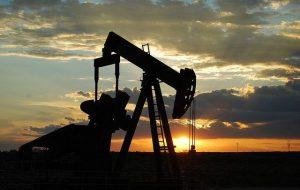 Нефть Brent упала ниже 45 долларов за баррель