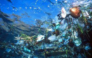 «Мусорный остров» движется к курортным зонам Таиланда