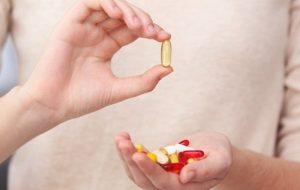 Эксперты признали мультивитамины бесполезными