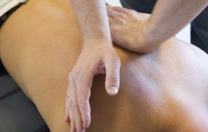 Мануальную терапию можно проводить только с разрешения лечащего врача