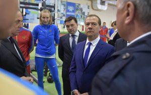 Медведев допустил выступление российских спортсменов под нейтральным флагом