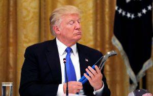 В Брюсселе готовы ответить США, если санкции против России затронут ЕС