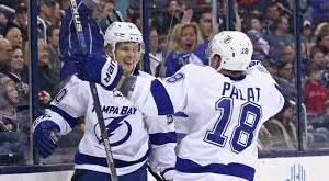 «Тампа Бэй» победила «Флориду» в НХЛ, Кучеров и Наместников набрали по два очка