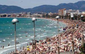 Туристов предупредили о смертельном заболевании в Испании и Португалии