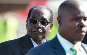 Мугабе лишили поста главы правящей партии Зимбабве