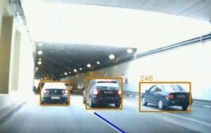 Беспилотные автомобили переиграли людей в сложной дорожной обстановке