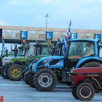 В Греции фермеры договорились перекрыть дороги страны тракторами