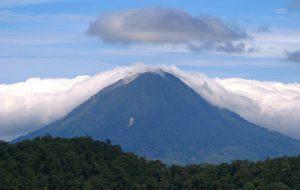 На индонезийском острове Суматра произошло извержение вулкана