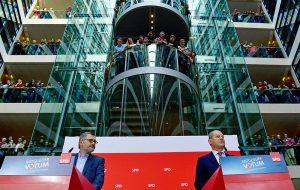 Члены СДПГ проголосовали за большую коалицию
