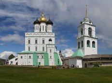 В Псковский Кафедральный собор после реставрации вернулся Ольгин крест