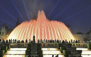 «Волшебный фонтан» в Барселоне открывает сезон