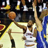«Голден Стэйт» выиграл третий матч у «Кливленда» в финальной серии плей-офф НБА