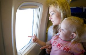 Куда чаще летают пассажиры с младенцами?