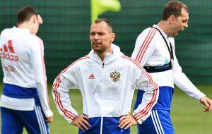 Сборная России тренируется в полном составе перед матчем 1/8 финала ЧМ