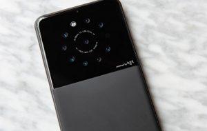Light создала прототип смартфона с девятью камерами
