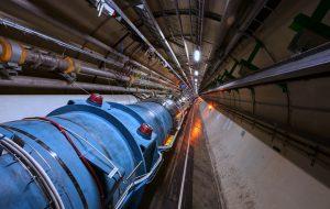 Большой адронный коллайдер впервые ускорил атомы