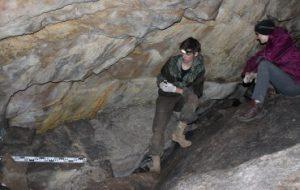 Студенты МГУ нашли уникальный тайник палеолитического художника