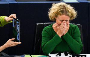 Европейские либералы ополчились на Венгрию из-за ее отказа принимать мигрантов