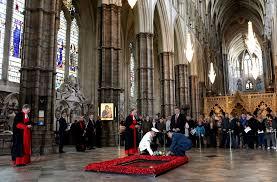В Вестминстерском аббатстве открыли «Окно королевы»